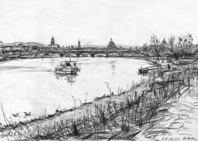 Johanna überquert die Elbe in Dresden